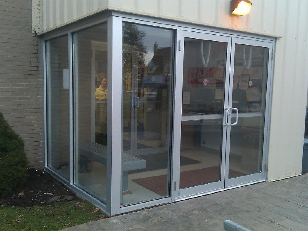 We Install Store Front Glass, Insulated Glass, Custom Mirrors & More!